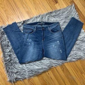 Universal Thread Mid Rise Boyfriend Crop Jeans